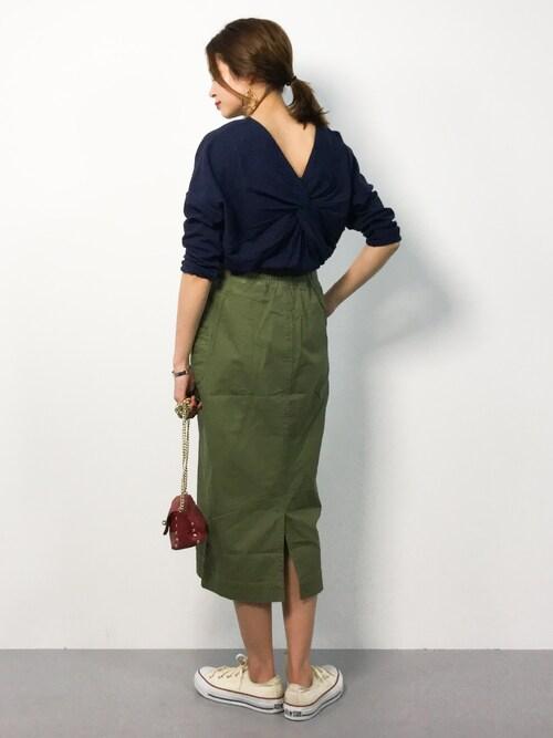ZOZOTOWNmihiroさんのスカート「【STYLEBAR】ミリタリータイトスカート(Emma Taylor エマテイラー)」を使ったコーディネート