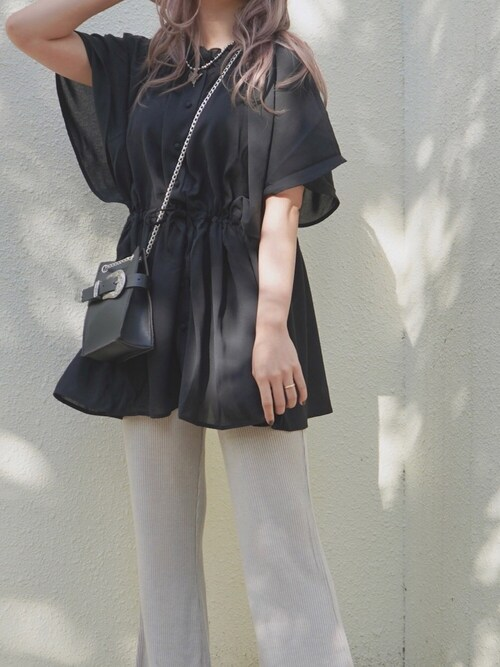 A.D.Gさんの「Butterfly Sleeve Sheer Tunic Blouse (black)(A.D.G)」を使ったコーディネート