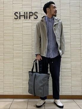 SHIPS|横溝さんのパンツ「GRAMiCCi: 別注 4WAYストレッチ ドライ ジャストレングス パンツ(GRAMICCI |グラミチ)」を使ったコーディネート