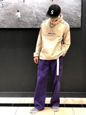 紫 パンツ コーデ メンズ