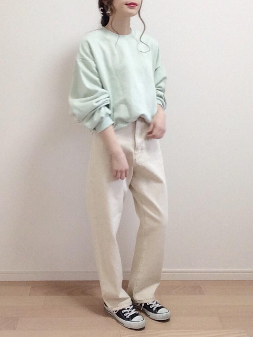 爽やか ファッション ママコーデ グリーン トレーナー 30代