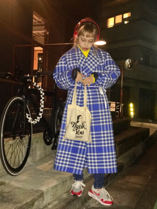 "瀬戸あゆみ is wearing Jacquemus ""Jacquemus - Plaid Woven Coat - Bright blue"""