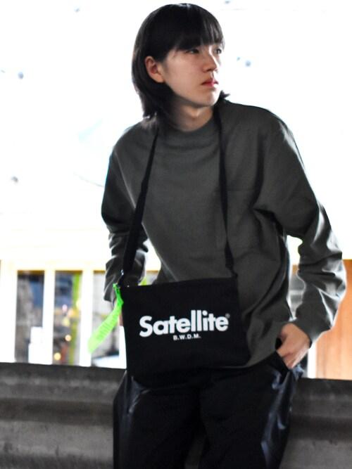 RiNcRiNcさんのショルダーバッグ「<satellite>BASIC SACOCHE サコッシュ(Satellite|サテライト)」を使ったコーディネート