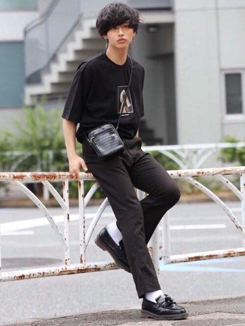中岡 圭さんのパンツ「【kutir black】フレアパンツ脇スリット(kutir|クティール)」を使ったコーディネート