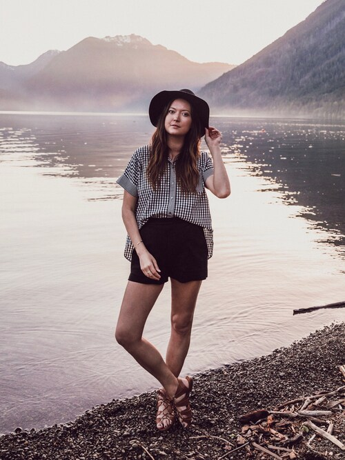 Bethany Marie is wearing madewell