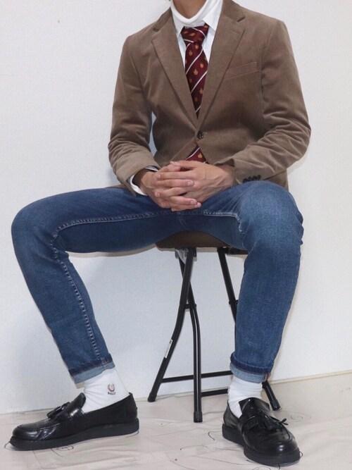 coco氏がWEARに投稿したコーデ|いわゆるアイビールックなコーデとの愛称もタッセルローファーは特に抜群! 同じジャケットを羽織ったコーデでも、上と比べると大きく変わりますね。