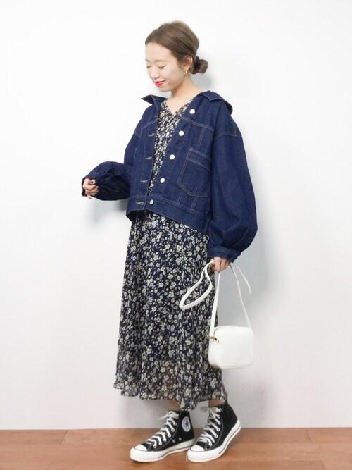 ZOZOTOWNりっぴーさんのデニムジャケット「後ろ編み上げデニムジャケット052-7021(merlot|メルロー)」を使ったコーディネート