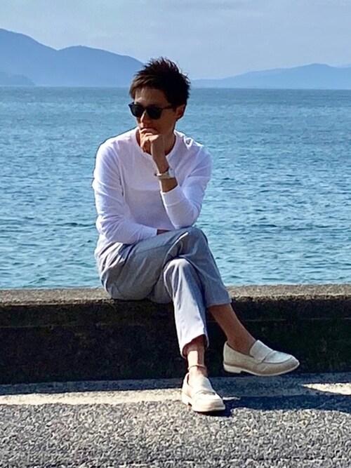 木村一期氏がWEARに投稿したコーデ|爽やかなキレイ目コーデ。靴は基本的に黒い(暗い)ものなので、明るい色を選ぶだけでも、印象が一変。一気に華やかになりますね。