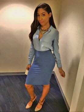 "India Bridgeforth is wearing Forever 21 ""FOREVER 21 Knit Pencil Skirt"""
