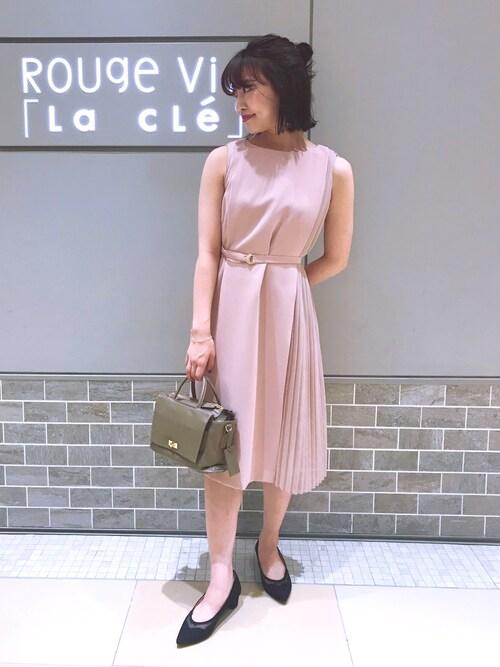ピンク系ワンピース
