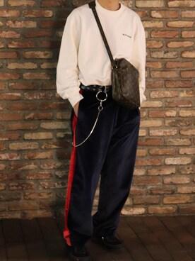1f2ed8869bd3 LOUIS VUITTON(ルイヴィトン)のショルダーバッグを使ったメンズコーディネート一覧 - WEAR