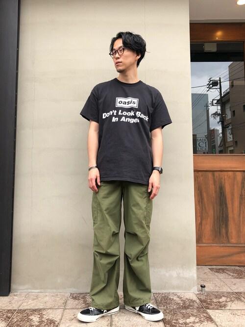 hirofumi inoue さんの「【oasis for ADAM ET ROPE'】SONG LYRICS T-shirt(size:M,L,LL)(ADAM ET ROPE')」を使ったコーディネート