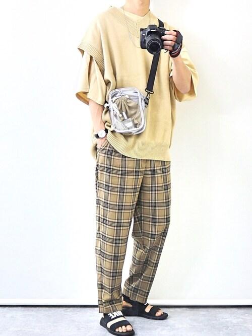 gakuさんのベスト「【BASQUE -enthusiastic design-】ビッグシルエット Vネック ニットベスト(無地/チルデン/切替)(BASQUE magenta バスクマゼンタ)」を使ったコーディネート