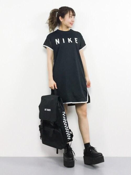 ZOZOTOWNエルさんのワンピース「ナイキ スポーツウェア ウィメンズドレス(NIKE ナイキ)」を使ったコーディネート