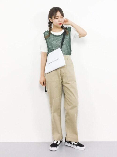 ZOZOTOWNエルさんのTシャツ/カットソー「カットリブ前後2wayTシャツ(mysty woman|ミスティウーマン)」を使ったコーディネート