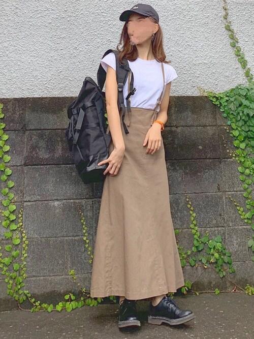 白Tシャツ 夏コーデ