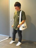 "ザリガニ is wearing Carhartt ""Carhartt (カーハート)Workwear Pocket SS Tー Shirts  ポケット半袖Tシャツ"""