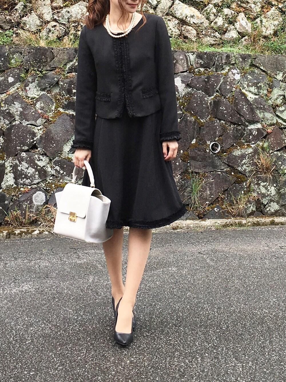 終了式 40代ママにおすすめ黒スーツ