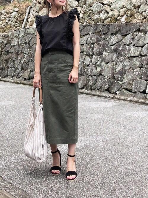 moyooonnさんのスカート「【STYLEBAR】ミリタリータイトスカート(Emma Taylor|エマテイラー)」を使ったコーディネート
