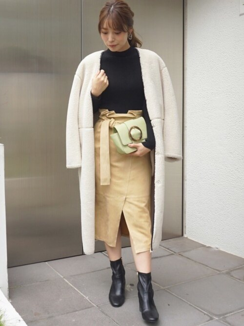 児玉亜由美さんの「リバーシブルボアノーカラーコート(MERCURYDUO)」を使ったコーディネート