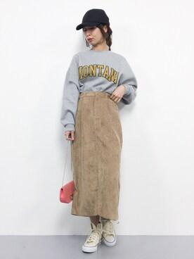 レディースロングスカートのおすすめコーデ・特徴や色別コーデ