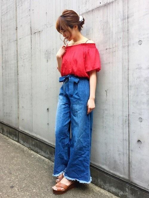 INGNI 東京本社INGNI(イング)さんのTシャツ/カットソー「『CanCam6月号掲載商品』パフスリーブオフショルダートップス/レディース-2017SS-(INGNI|イング)」を使ったコーディネート