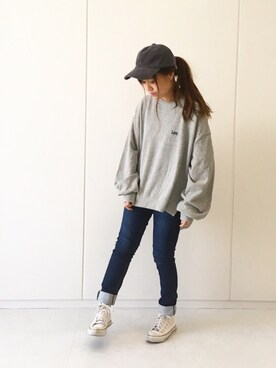 "A E hyphen world gallery employee ふたわたり is wearing Lee ""【別注】Lee BIG SWEAT"""