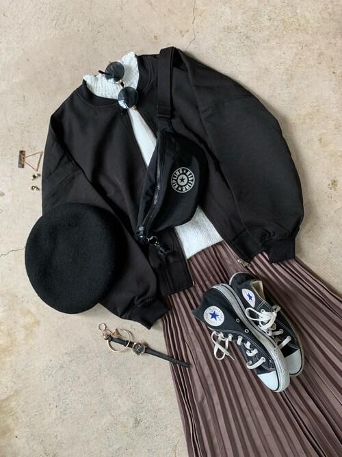ナチュラル服のイタフラさんのボディバッグ/ウエストポーチ「フレッシュ(ライブリーブラック)(kipling|キプリング)」を使ったコーディネート