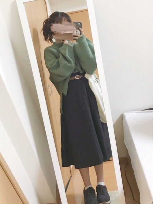 秋コーデ カーキ