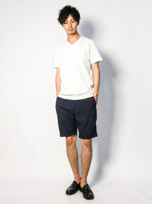 ZOZOTOWNRENさんのTシャツ/カットソー「ピグメントバイオ加工VネックTシャツ(nano・universe|ナノユニバース)」を使ったコーディネート