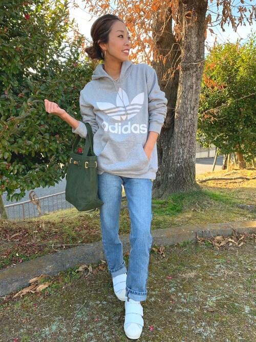 madoyanyanさんの「【adidas(アディダス)】TREFOIL HOODIE GRAY(adidas)」を使ったコーディネート