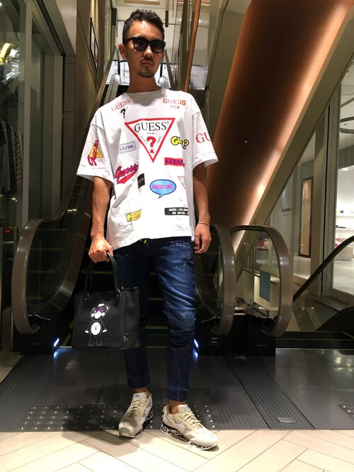 ROYAL FLASH 福岡Shuto ShimanakaさんのTシャツ/カットソー「【別注】Guess×ROYAL FLASH/ゲス ロゴプリント Tシャツ(Guess|ゲス)」を使ったコーディネート