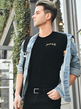 "Arthur Bedran is wearing TOPMAN ""Selected Homme Black Belt"""