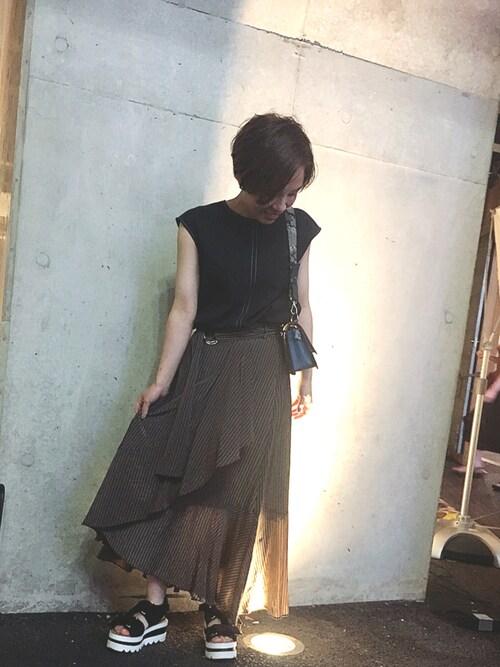 UNITED TOKYO WOMENS SHINJUKUtamamiさんのスカート「ラッフルストライプスカート(UNITED TOKYO|ユナイテッドトウキョウ)」を使ったコーディネート
