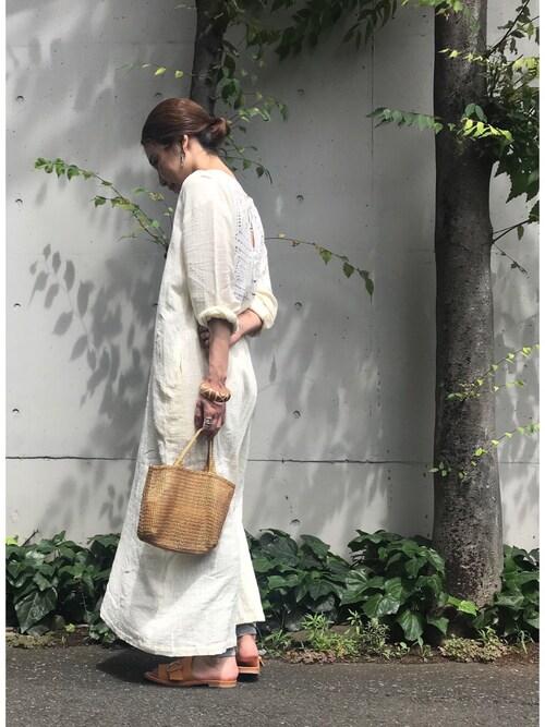 KAMILi tomoko ogawaさんのサンダル「[KAMILi / カミリ] BUCKLE SANDALS(KAMILi|カミリ)」を使ったコーディネート