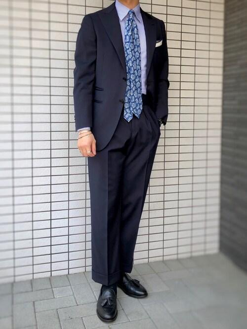 k.t.氏がWEARに投稿したコーデ|ビジネスの場で着用する場合は、このようにスーツとタッセルローファー、そして靴下の色を揃えて、ビシッ!と統一感を出しましょう。