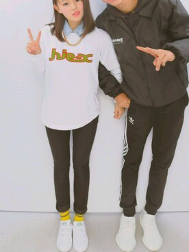 "aya is wearing X-girl ""FLOCK LOGO L/S REGULAR TEE"""