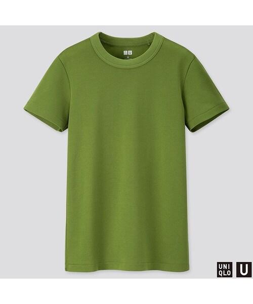 緑色のTシャツおすすめトレンドコーデ